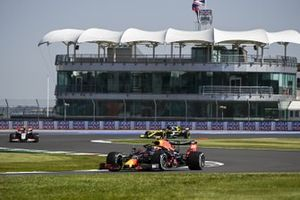 Alex Albon, Red Bull Racing RB16, Kevin Magnussen, Haas VF-20, and Daniel Ricciardo, Renault F1 Team R.S.20