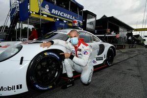 Pole Winner: #911: Porsche GT Team Porsche 911 RSR - 19, GTLM: Frederic Makowiecki