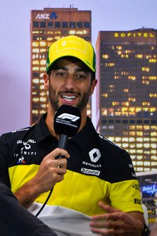 Daniel Ricciardo, Renault F1 Team, in de persconferentie