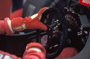 The steering wheel McLaren MP4-5B Hondas
