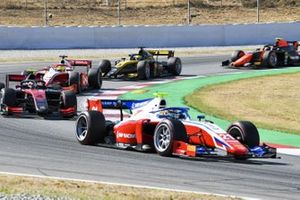 Robert Shwartzman, Prema Racing, leads Callum Ilott, UNI-VIRTUOSI, Mick Schumacher, Prema Racing, Guanyu Zhou, UNI-VIRTUOSI, and Felipe Drugovich, MP Motorsport