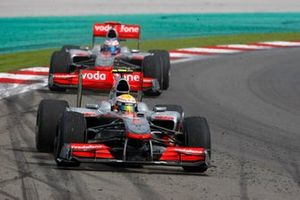 Lewis Hamilton, McLaren MP4-25 Mercedes, Jenson Button, McLaren MP4-25 Mercedes