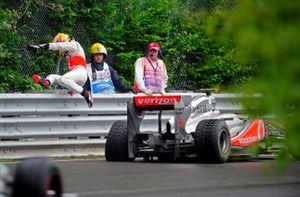 Lewis Hamilton, McLaren MP4-26 Mercedes, abandona