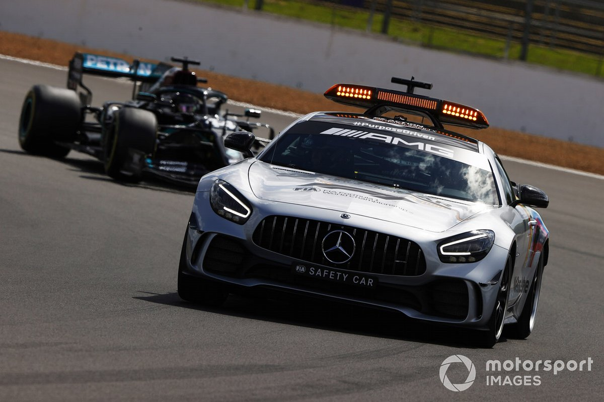 Safety Car y Lewis Hamilton, Mercedes F1 W11