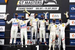 Le podium : 1 #29 Montaplast by Land-Motorsport Audi R8 LMS: Ricardo Feller, Christopher Mies, 2 #22 Toksport WRT Mercedes-AMG GT3 Evo: Maro Engel, Luca Stolz, 3 #10 Schubert Motorsport BMW M6 GT3: Nick Yelloly, Jesse Krohn
