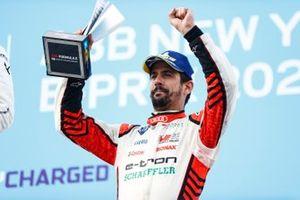 Lucas Di Grassi, Audi Sport ABT Schaeffler, third position, on the podium with his trophy