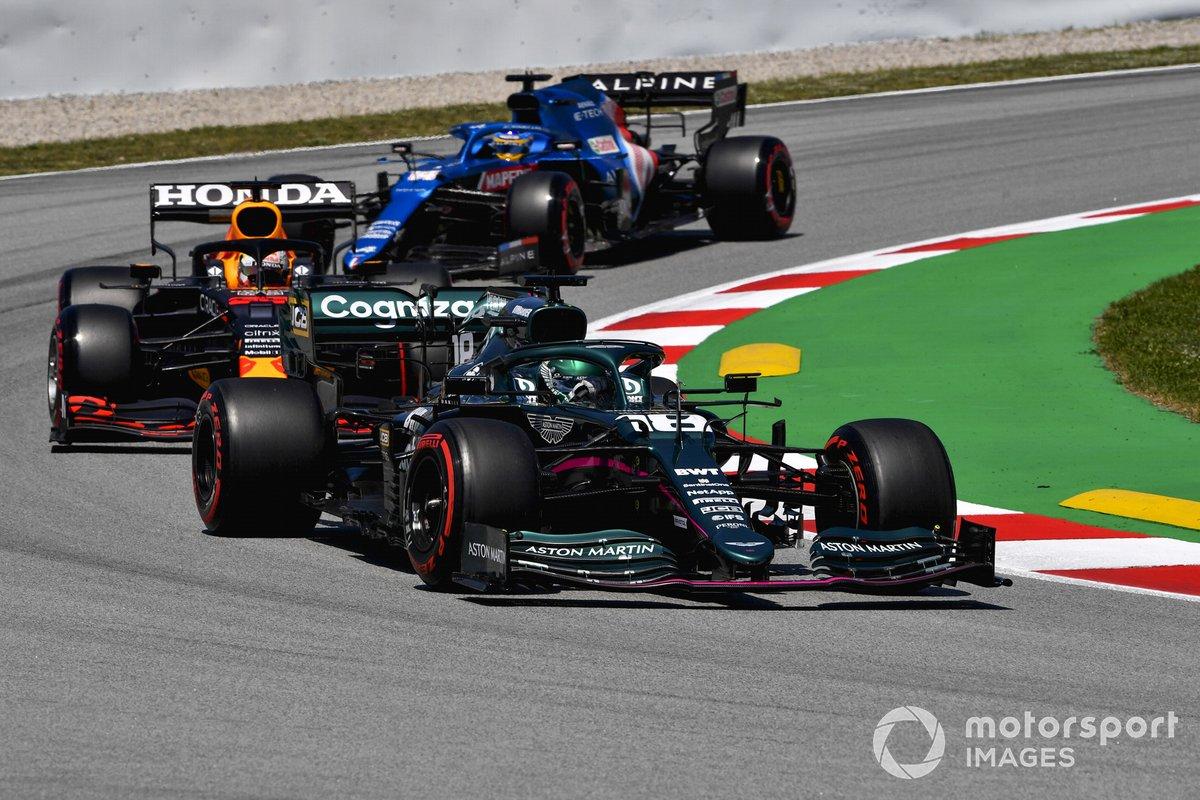 Lance Stroll, Aston Martin AMR21, Max Verstappen, Red Bull Racing RB16B, Fernando Alonso, Alpine A521