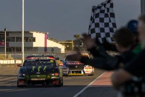 Race winner Cameron Waters, Tickford Ford
