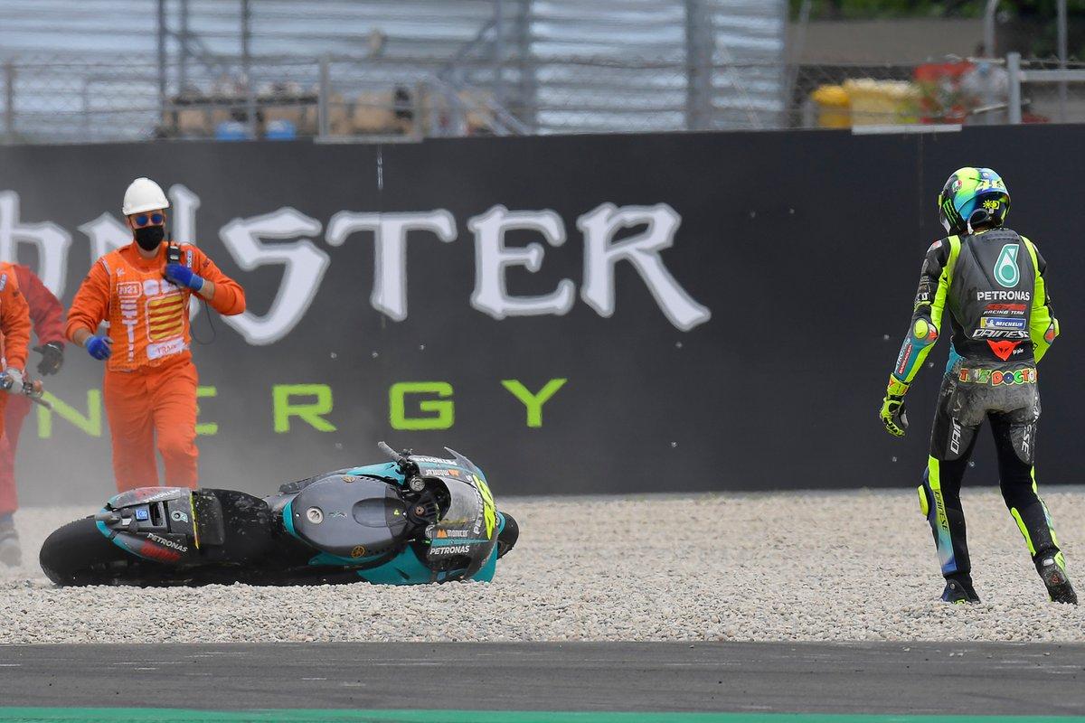 Caída de Valentino Rossi, Petronas Yamaha SRT