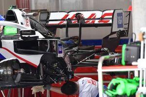 Haas VF-21 powerunit detail