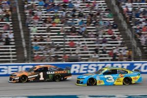 Kurt Busch, Chip Ganassi Racing, Chevrolet Camaro GEARWRENCH, Austin Dillon, Richard Childress Racing, Chevrolet Camaro Andy's Frozen Custard
