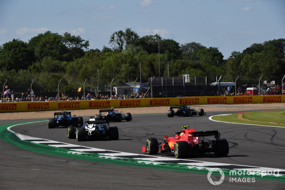 Nicholas Latifi, Williams FW43B, Yuki Tsunoda, AlphaTauri AT02, Carlos Sainz Jr., Ferrari SF21