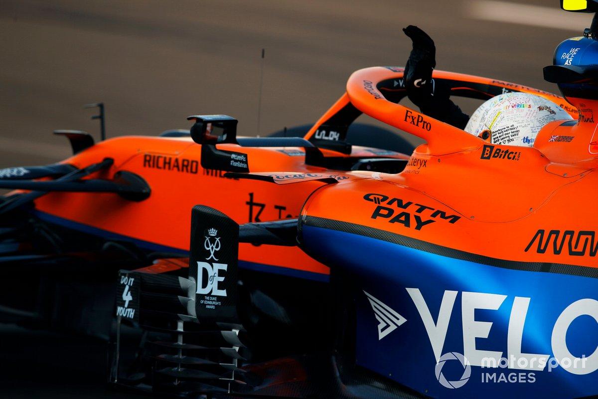 Lando Norris, McLaren MCL35M, en Parc Ferme