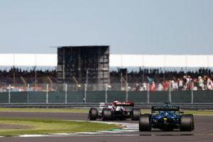 Kimi Raikkonen, Alfa Romeo Racing C41, Lance Stroll, Aston Martin AMR21
