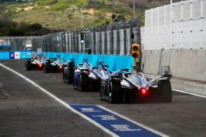 Stoffel Vandoorne, Mercedes Benz EQ, EQ Silver Arrow 02, derrière les autres pilotes du premier groupe des qualifications