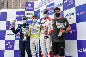 Podio: Nicola Baldan e Antti Buri, Target Competition, Jack Young, MM Motorsport