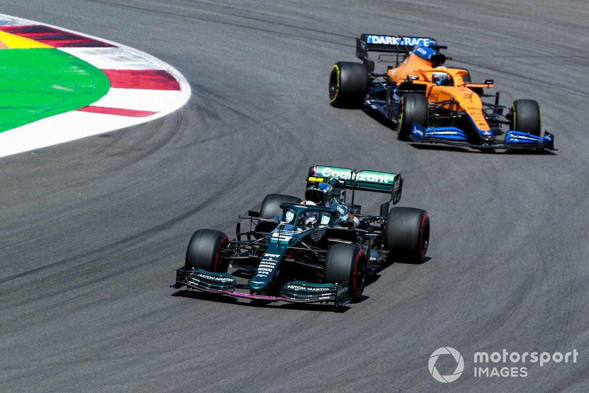 Sebastian Vettel, Aston Martin AMR21, Daniel Ricciardo, McLaren MCL35M