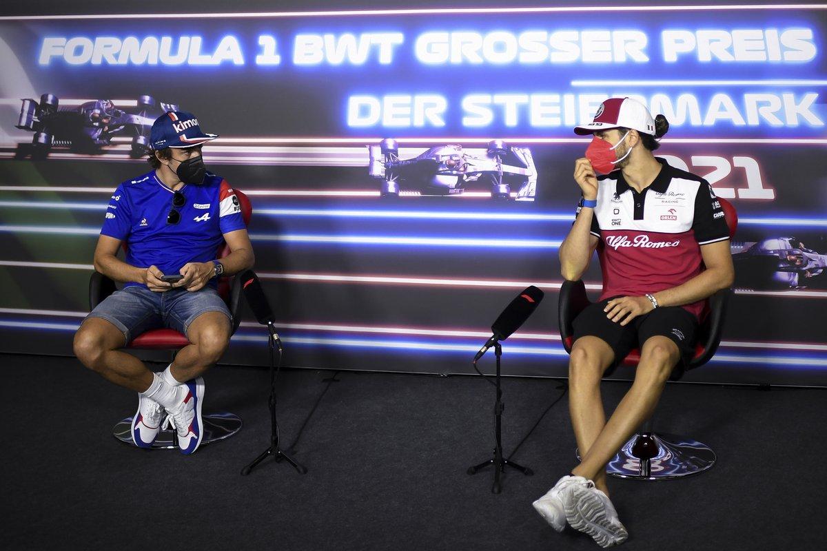 Fernando Alonso, Alpine F1, Antonio Giovinazzi, Alfa Romeo Racing en la conferencia de prensa