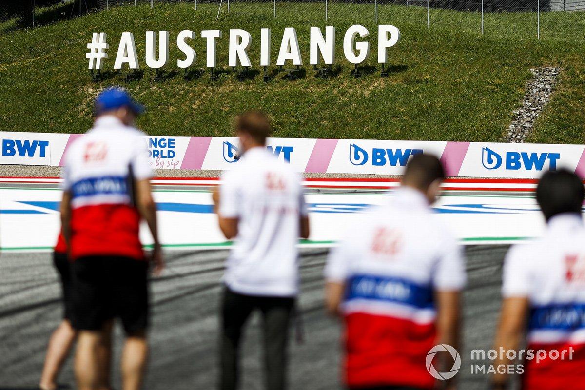 Mick Schumacher, Haas F1, recorre el circuito de Austria