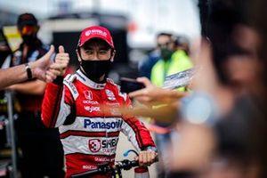 Takuma Sato, Rahal Letterman Lanigan Racing Honda with fans