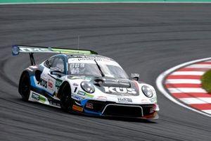 #74 Ku?s Team Bernhard Porsche 911 GT3 R: Jannes Fittje, Dylan Pereira