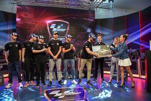 Penyerahan hadiah semifinal 2 MotoGP eSport 2018