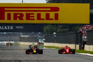 Max Verstappen, Red Bull Racing RB14, battles with Kimi Raikkonen, Ferrari SF71H