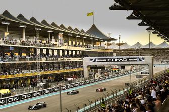 Lewis Hamilton, Mercedes AMG F1 W09 EQ Power+, Valtteri Bottas, Mercedes AMG F1 W09 EQ Power+ and Sebastian Vettel, Ferrari SF71H