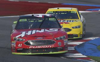 Kurt Busch, Stewart-Haas Racing, Ford Fusion Haas Automation/Monster Energy, Ryan Blaney, Team Penske, Ford Fusion Menards/Pennzoil