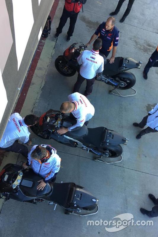 Honda prepara la moto de Jorge Lorenzo