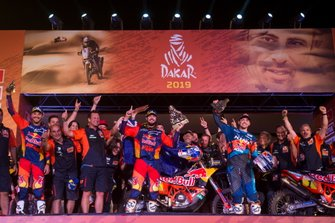 Podium: #3 Red Bull KTM Factory Racing KTM: Toby Price with the team