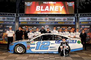 Polesitter Ryan Blaney, Team Penske, Ford Fusion Accella/Carlisle