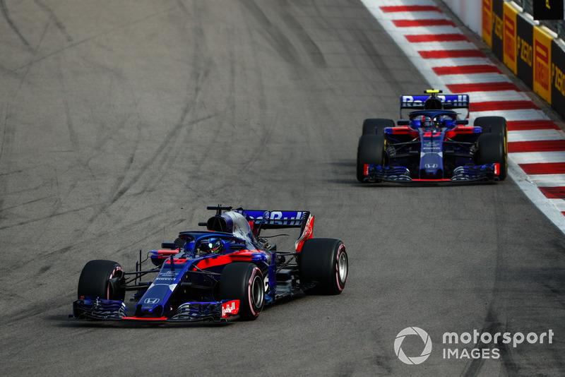 Brendon Hartley, Toro Rosso STR13 y Pierre Gasly, Scuderia Toro Rosso STR13