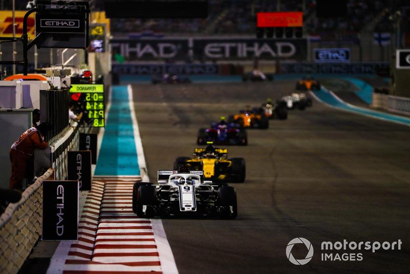 Marcus Ericsson, Sauber C37, leads Carlos Sainz Jr., Renault Sport F1 Team R.S. 18