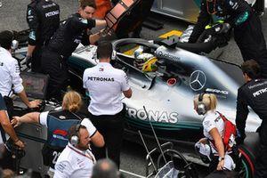 Lewis Hamilton, Mercedes AMG F1 W09 EQ Power+ on the grid