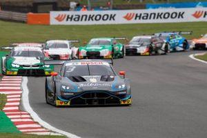 Лидирует Пол ди Реста, R-Motorsport, Aston Martin Vantage AMR