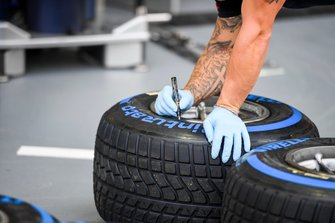 Red Bull Mechanic with Pirelli tyres
