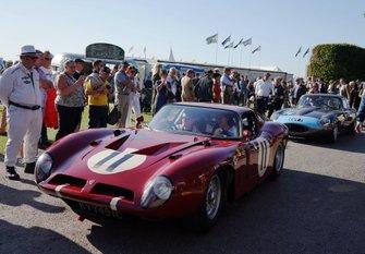 Karl Wendlinger / Patrick Blakeney-Edwards, Bizzarrini 5300GT, and Jaguar E-Type