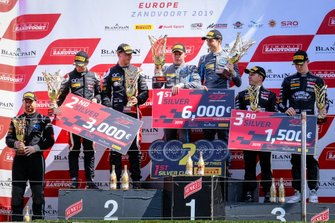 Podio Silver: il vincitore della gara #62 R-Motorsport Aston Martin Vantage AMR GT3: Aaro Vainio, Hugo de Sadeleer, #56 Attempto Racing Audi R8 LMS GT3: Milan Dontje, Mattia Drudi, al terzo posto #17 Belgian Audi Club Team WRT Audi R8 LMS GT3: Shae Davies, Tom Gamble