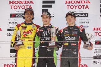 サッシャ・フェネストラズ(B-Max Racing with motopark)、エナム・アーメド(B-Max Racing with motopark)、宮田莉朋(カローラ中京 Kuo TEAM TOM'S)