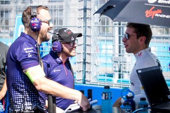 Robin Frijns, Envision Virgin Racing on the grid with his team