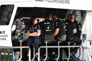 Williams takımı pit duvarında