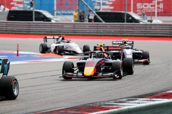 Юри Випс, Hitech Grand Prix, и Педро Пике, Trident
