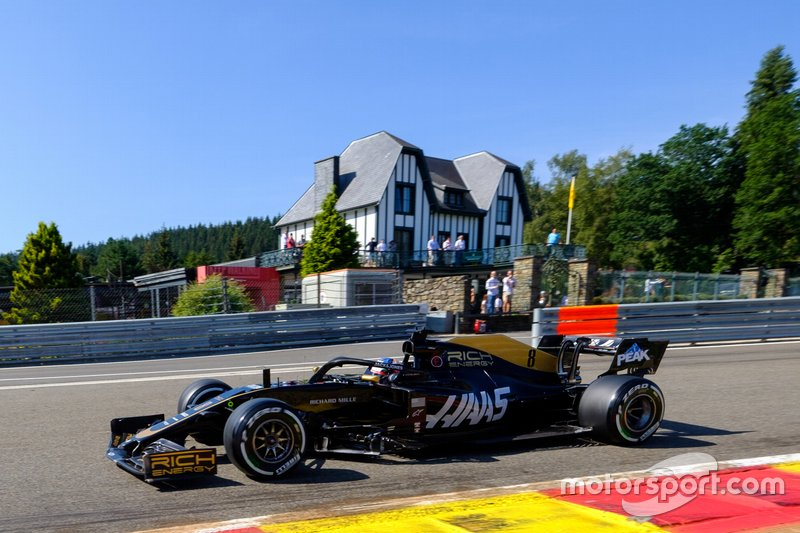 Grosjean is left helpless by Haas' straightline pace deficit