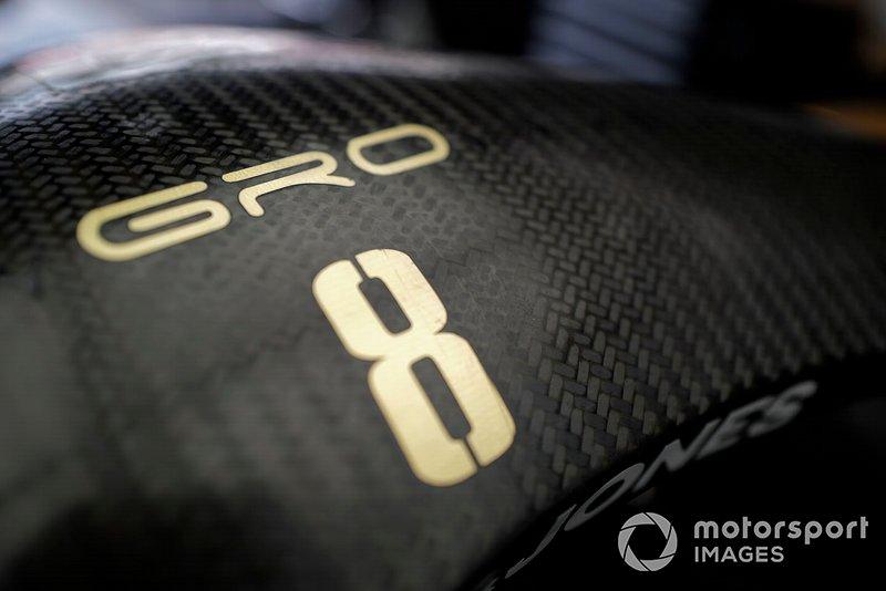Romain Grosjean, nombre del equipo Haas F1 Team VF-19 en el halo