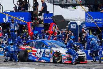 Ryan Preece, JTG Daugherty Racing, Chevrolet Camaro Kroger pit stop