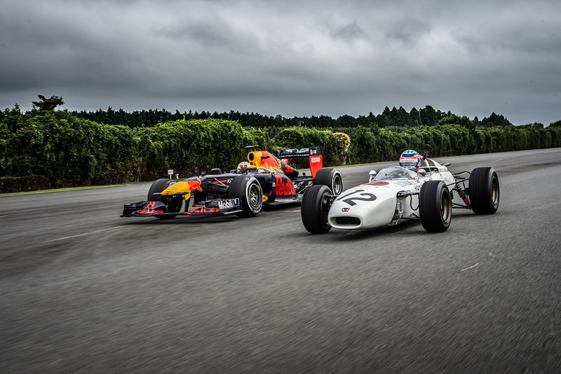Max Verstappen (RB7) & Takuma Sato, (RA272)