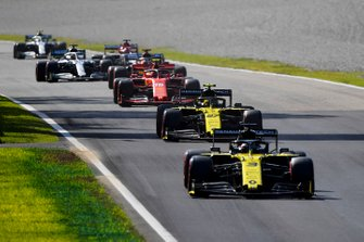 Daniel Ricciardo, Renault F1 Team R.S.19, Nico Hulkenberg, Renault F1 Team R.S. 19, Charles Leclerc, Ferrari SF90