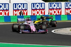 Sergio Perez, Racing Point RP19, voor Daniel Ricciardo, Renault F1 Team R.S.19