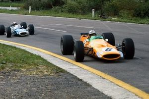Denny Hulme, McLaren M7A, Jackie Stewart, Matra MS10